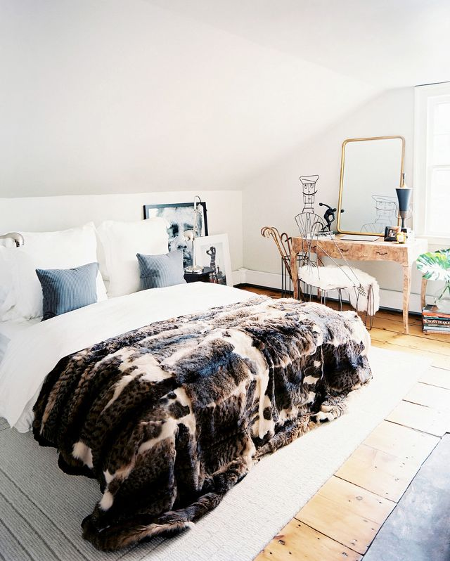 Real fur blanket for a cozy bedroom