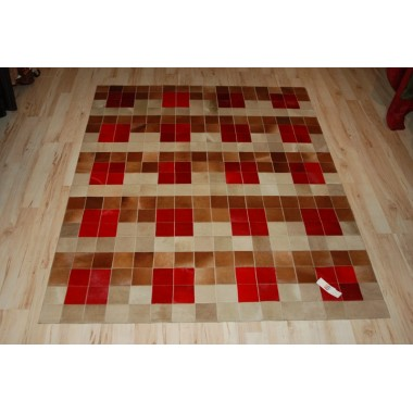 hide rug in colours baio capuccino rosso (red) in panels 10 x 10 cm